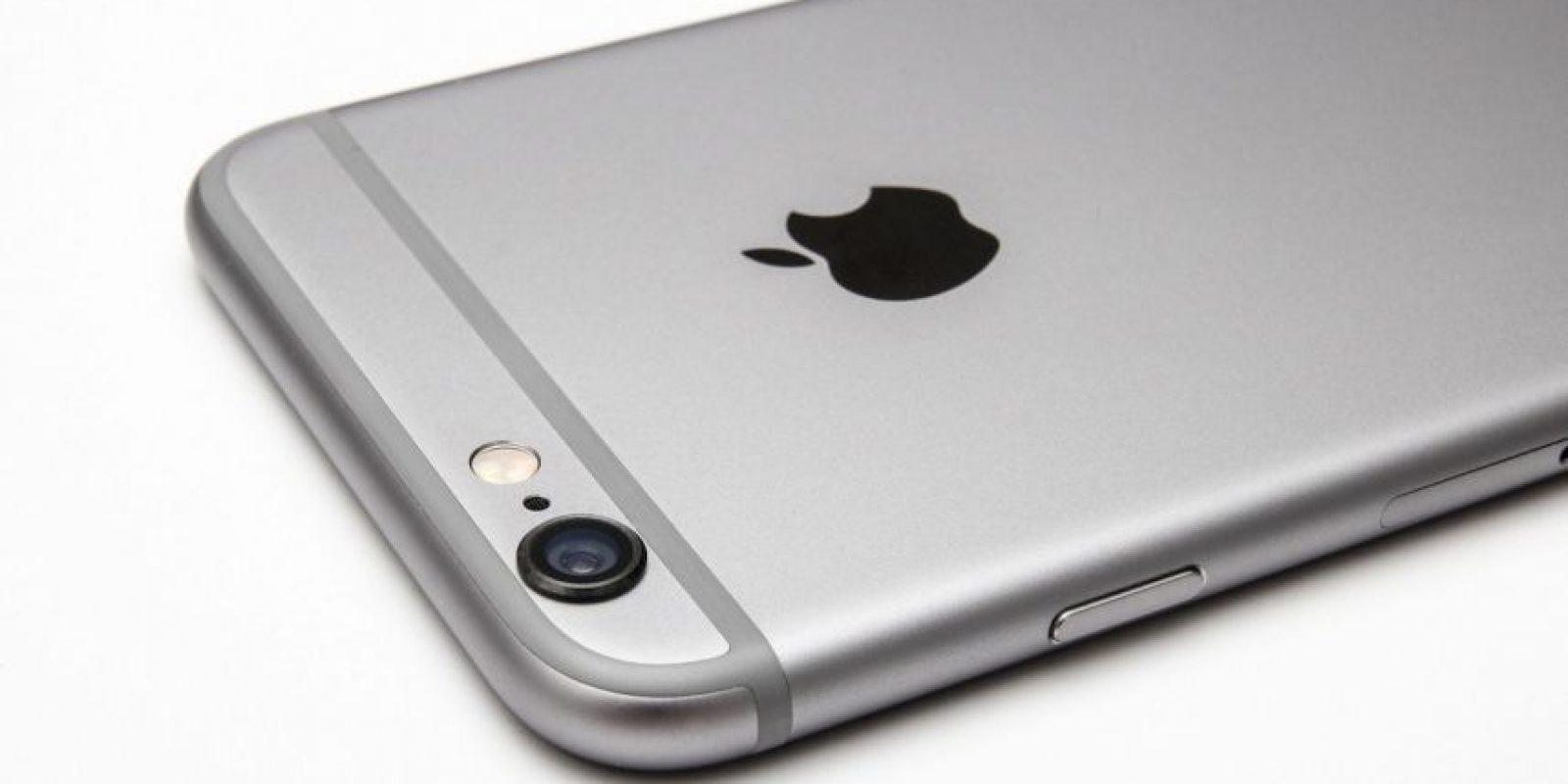 Su estructura es de aluminio y su pantalla es de cristal resistente a rayones. Foto:Apple