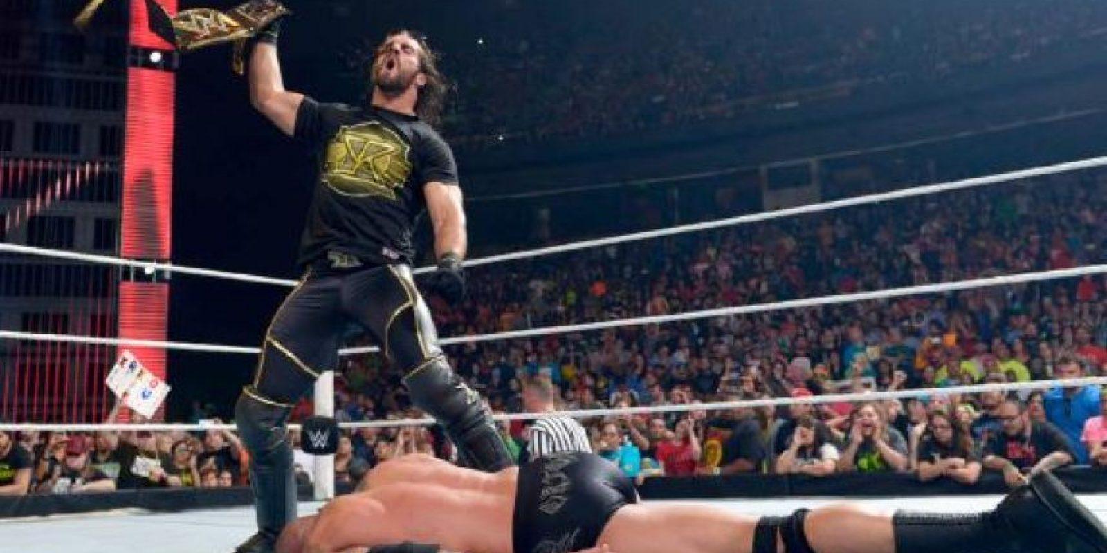"""Después de que el """"Asesino de Leyendas"""" ganara la lucha, fue atacado por el campeón Foto:WWE"""