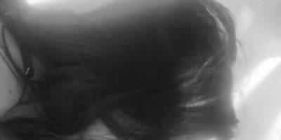 Besos en la boca y caricias: Las provocativas imágenes de las hermanas Jenner