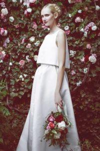 Otro crop top para boda Foto:fashiongonerogue.com