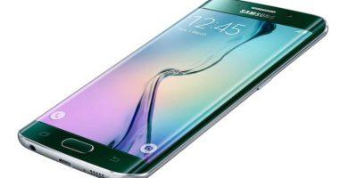 Su mayor novedad es una pantalla de cuatro lados. Foto:Samsung