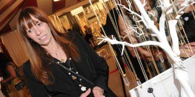 """La actriz McKenzie Phillips es la hija del famoso cantante del grupo """"The Mamas & The Papas"""", John Phillips. Ella confesó que su padre la violó a los 18 años. Luego comenzó una relación de sexo consensual con él. Foto:Getty Images"""