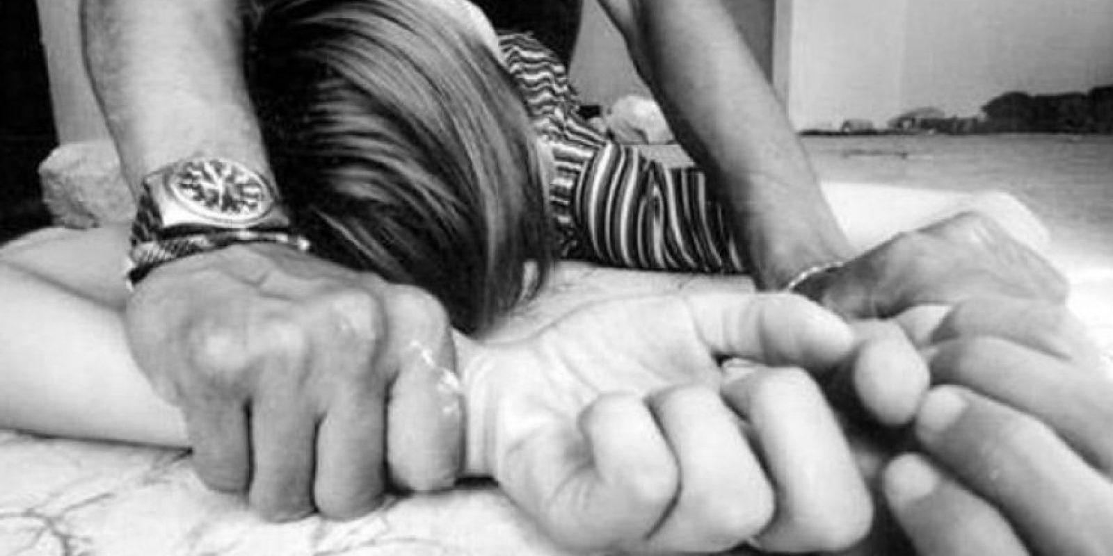 La madre de las dos menores se dedicó a buscar las mejores posiciones sexuales para quedar embarazada y posteriormente pedirle a su pareja y sus hijas realizarlas. Foto:Wikimedia