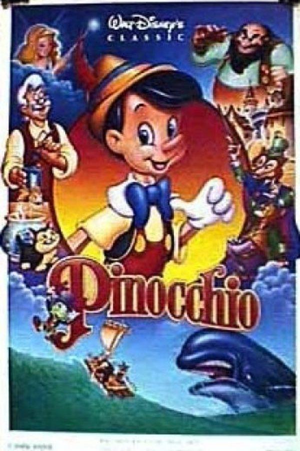 Una noche, le pide a una estrella que convierta su marioneta en un niño real. Foto:IMDB/ Walt Disney Production