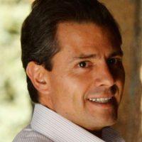 """Desde su exitosa campañapresidencial en 2012, Enrique Peña Nieto de México ha sido acusadoen repetidas ocasiones de utilizar cuentas falsas de redes socialespara contrarrestar los hashtags deprotesta. Los llamados""""peñabots""""son utilizados para frustrar las discusiones en línea sobre lacorrupción o la violencia. Foto:Getty Images"""