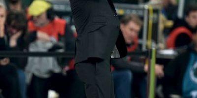 Pep Guardiola jugó básquetbol durante partido del Bayern