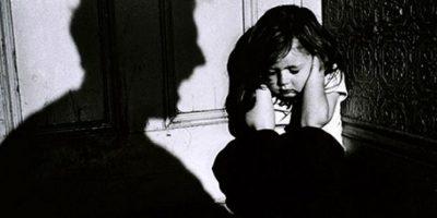3. Dificultades para darse cuenta de dónde está el peligro, lo cual les hace incurrir en conductas de riesgo (irse con extraños, confiar en desconocidos, incurrir en conductas de riesgo corporal). Foto:tumblr.com/tagged/maltrato-infantil