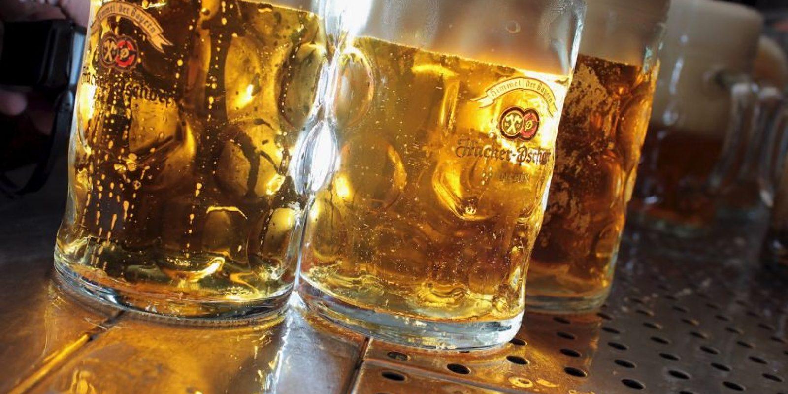 8. Beber en exceso aumenta el ritmo cardiaco. Foto:Getty Images
