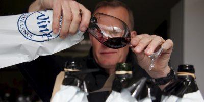 13. Los niveles de glucosa en la sangre descienden durante la borrachera, lo que produce una debilitación generalizada, sudoración excesiva, vértigo y visión borrosa. Foto:Getty Images