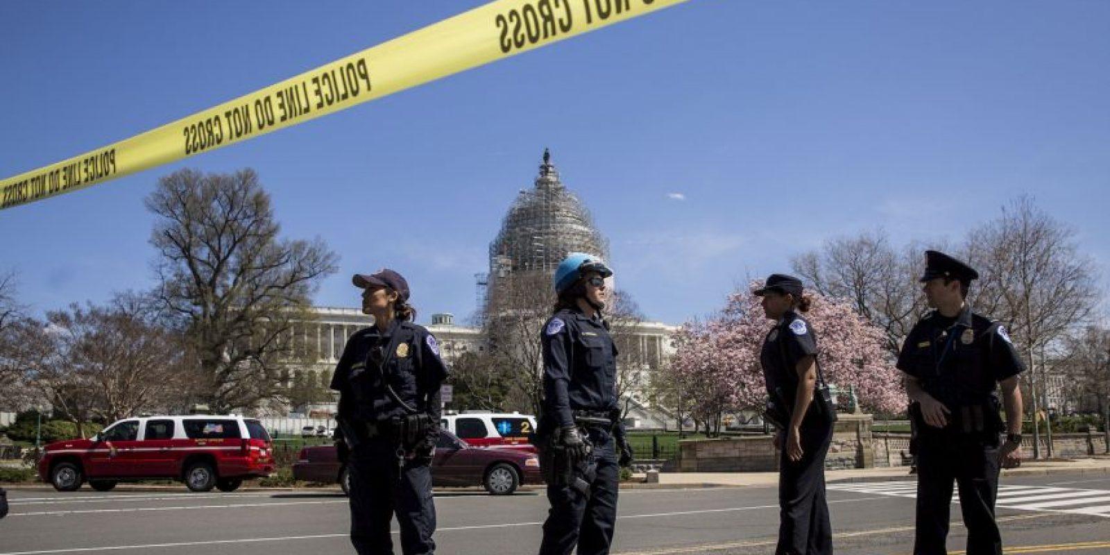 Policias colocaron sintas que prohibían el paso. Foto:Getty Images