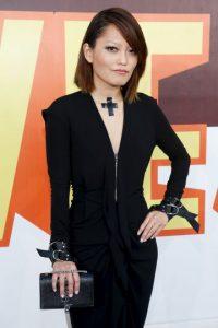 Hana Mae Lee y su look oscuro Foto:Getty Images