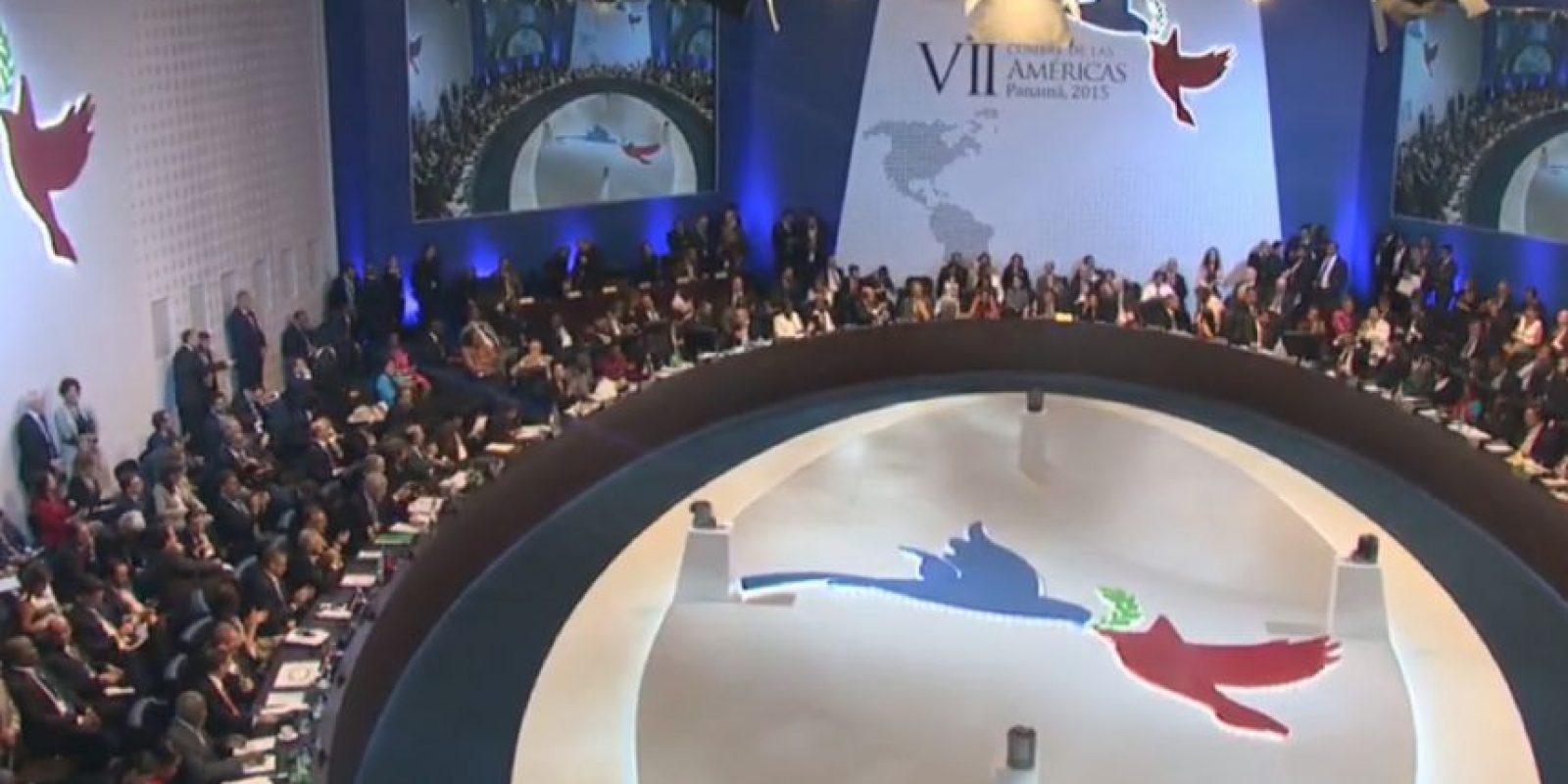 Así estaban acomodados los mandatarios en la primera sesión plenaria de la VII Cumbre de las Américas. Foto:Vía Twitter @CumbrePanama
