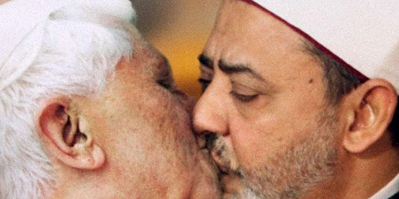 Tuvo que quitar el anuncio que provocó tanta ira del Vaticano. Foto:Benetton