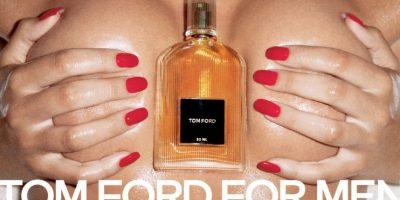 Tom Ford impactó al mundo con su fragancia para hombres, sexualizando al máximo sus anuncios Foto:Tom Ford