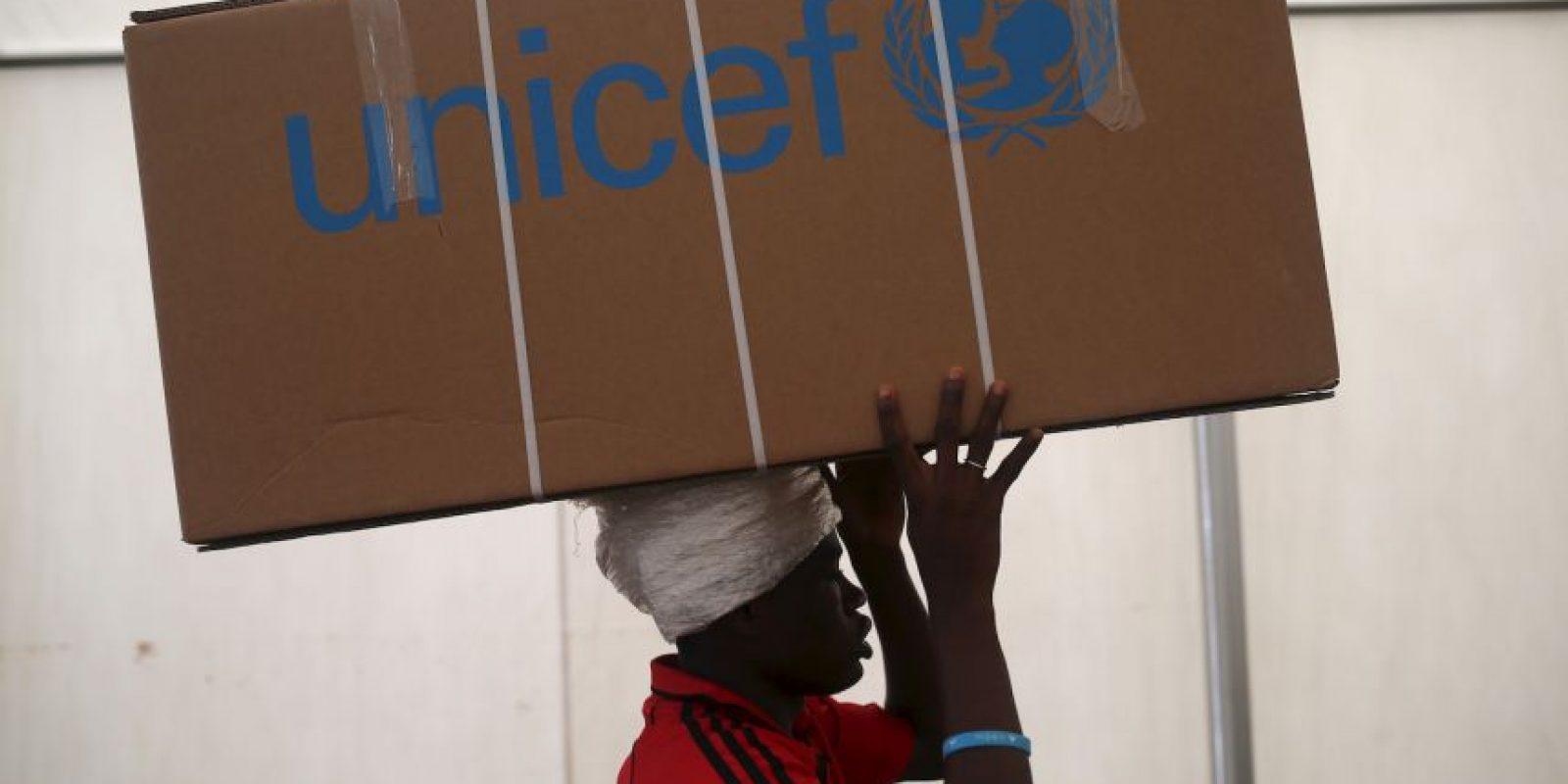 UNICEF también está trabajando con socios para proporcionar agua potable y los servicios de salud básicos. Además de buscara la manera de restaurar el acceso a la educación. Foto:Getty Images
