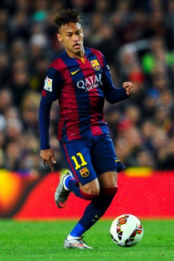 Neymar se cotiza en 80 millones de dólares para aparecer en la delantera Foto:Getty Images