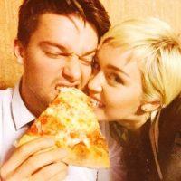 Miley y Patrick parecen estar distanciados desde que aparecieron unas comprometedoras fotografías del joven de 21 años Foto:Vía Instagram.com/mileycyrus