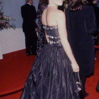 Otro vestido horroroso de red carpet. Foto:vía Getty Images
