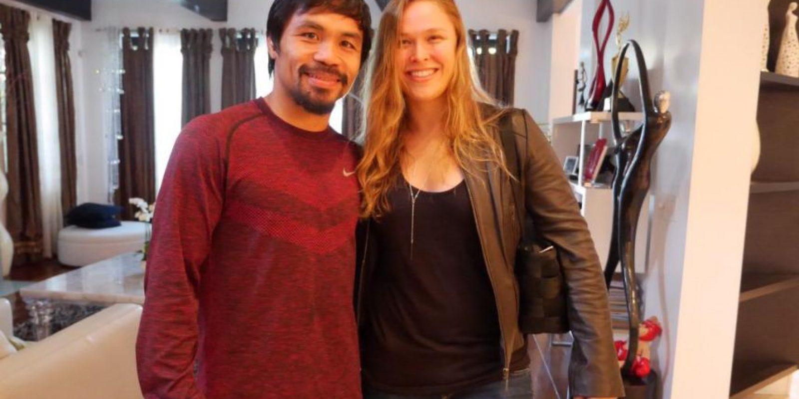 "La campeona de la UFC, Ronda Rousey, demostró su apoyo a Manny Pacquiao de cara a la ""Pelea del Siglo"". Foto:Vía Twitter.com/MannyPacquiao"