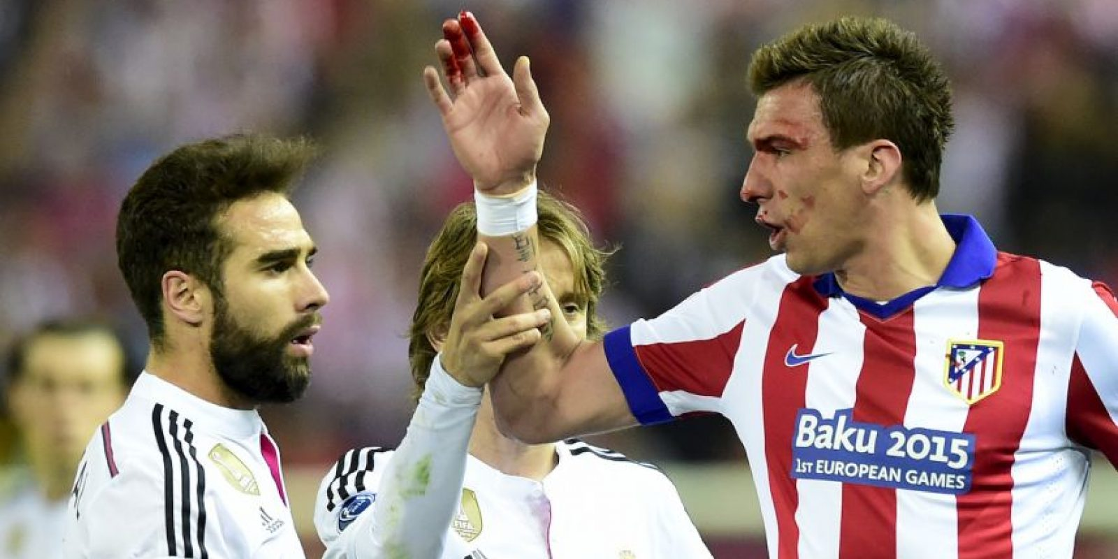 Dani Carvajal del Real Madrid y Mario Mandzukic del Atlético, protagonizaron dos incidentes en el duelo de ida de los cuartos de final de la Champions League. Foto:AFP