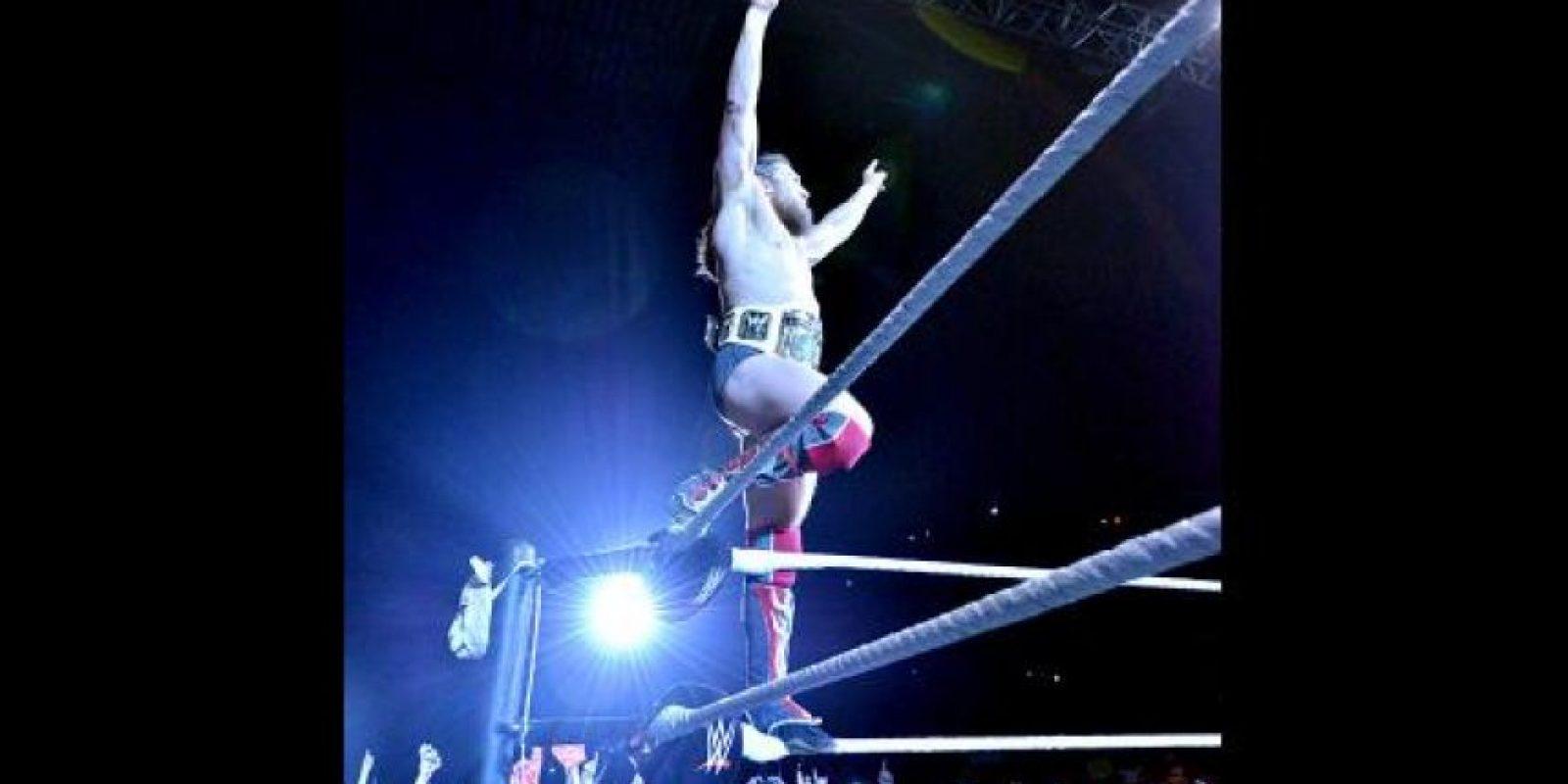 En el cuadrilátero se encontraban Daniel Bryan Foto:WWE