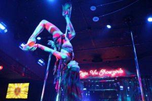 """El """"Deja Vu Showgirls Las Vegas"""", club de strippers de esta ciudad, publicó en su página oficial una serie de premios que le darán al ganador de la pelea entre Floyd Mayweather y Manny Pacquiao. Foto:Vía facebook.com/dejavushowgirlsvegas"""