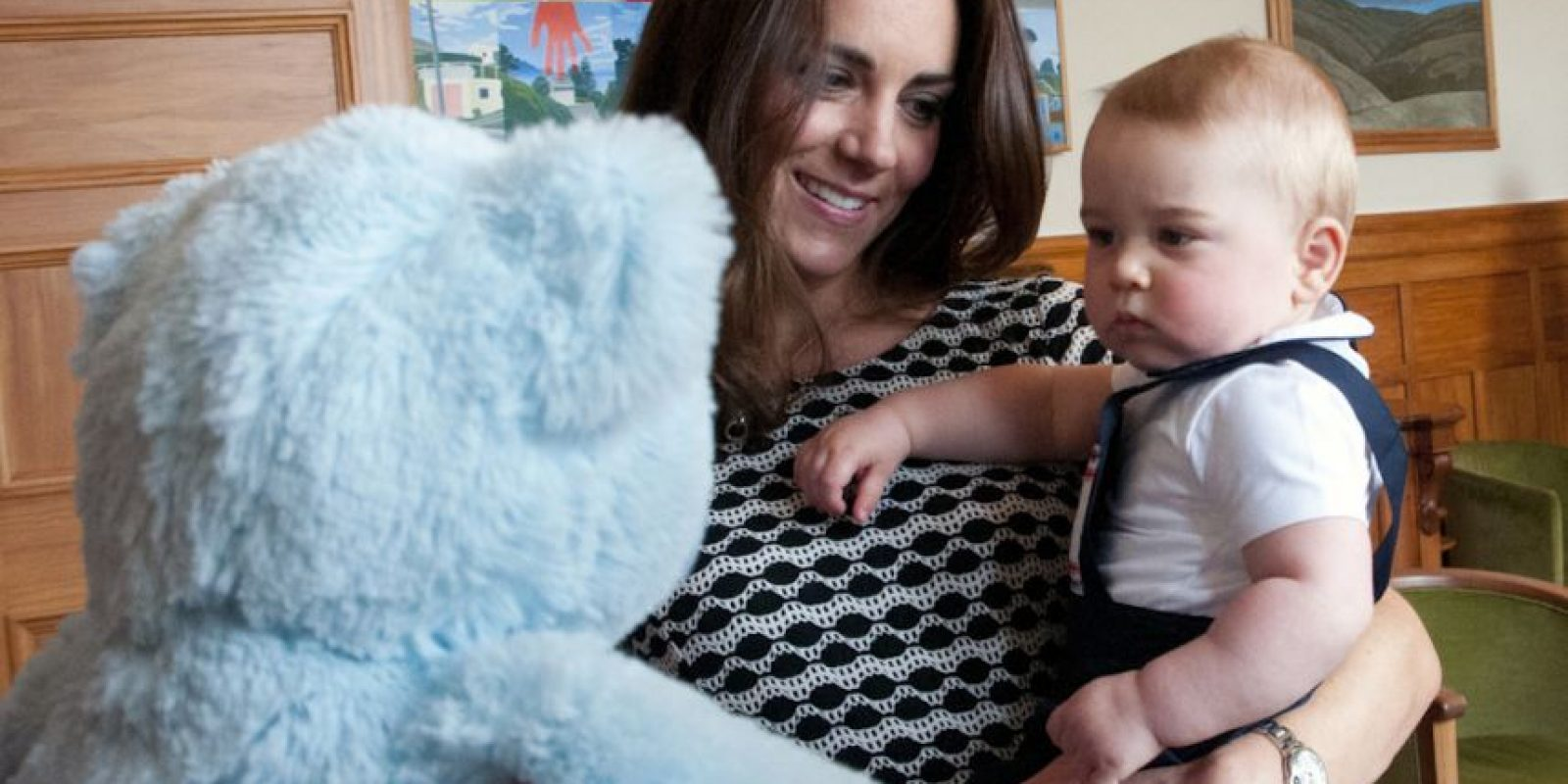 7. La familia real quiere evitar que se tomen fotos de la duquesa cuando ingrese al hospital en labores de parto. Foto:Getty Images
