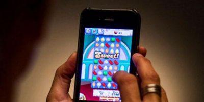 """Un hombre se rompió el dedo por jugar """"Candy Crush"""" durante semanas"""