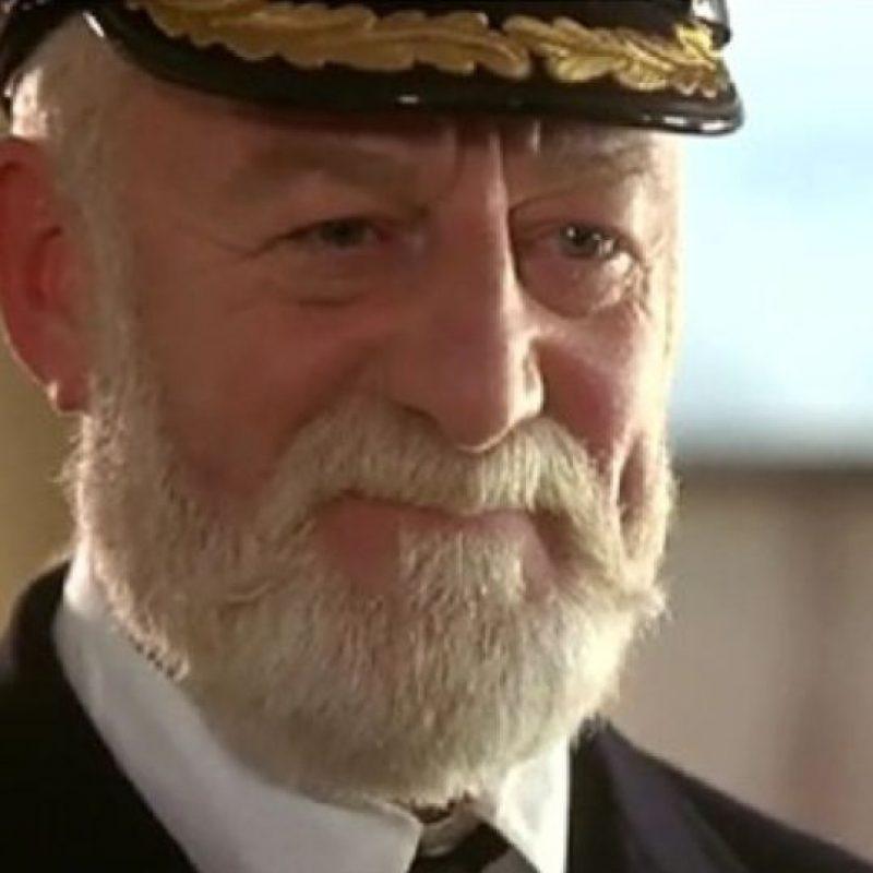 """Interpretó al """"Capitán Edward John Smith"""", estaba al frente del Titanic decidió aumentar la velocidad del barco. E Foto:20th Century Fox"""