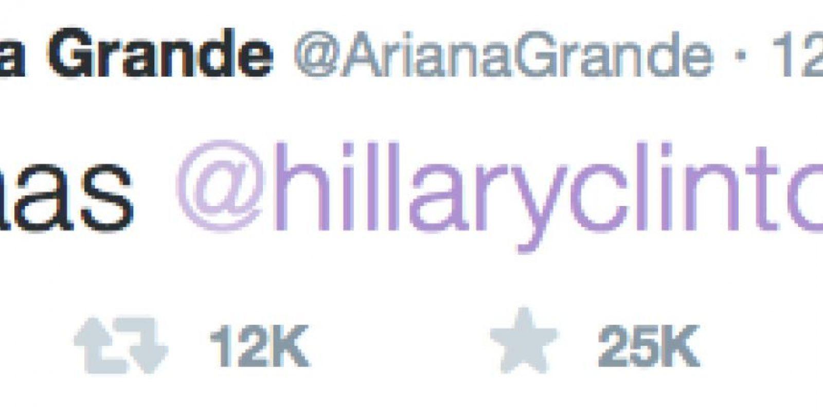 Así celebró la cantante Ariana Grande. Foto:Twitter
