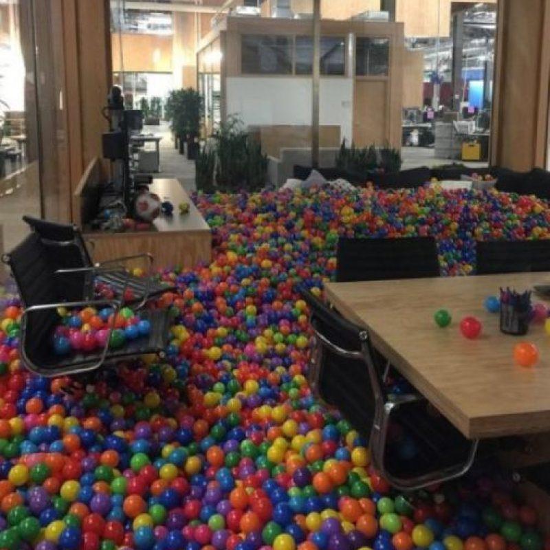 El espacio de trabajo luce bastante divertido. Foto:instagram.com/munsonfunson