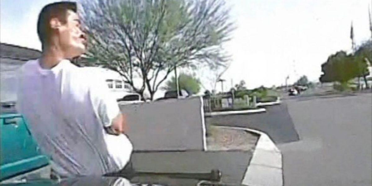 VIDEO: Policía atropella intencionalmente a un sospechoso para arrestarlo