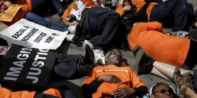 Trabajadores de comida rápida protestan en Nueva York. Foto:AP