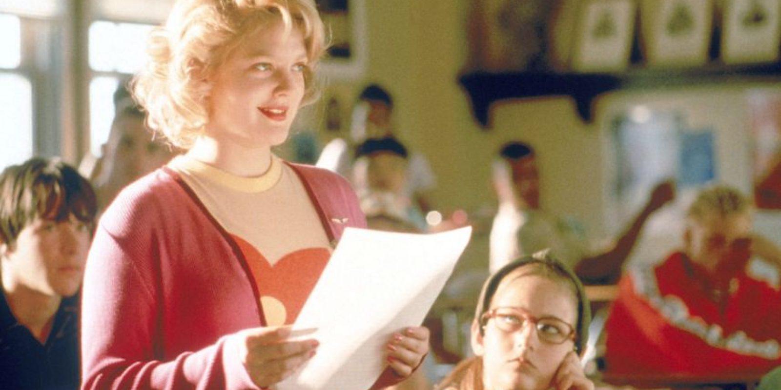 ¿Se acuerdan de esta comedia juvenil en la que Drew Barrymore intepretaba a una periodista que volvía a la secundaria y revivía sus peores momentos? Foto:vía Flower Films