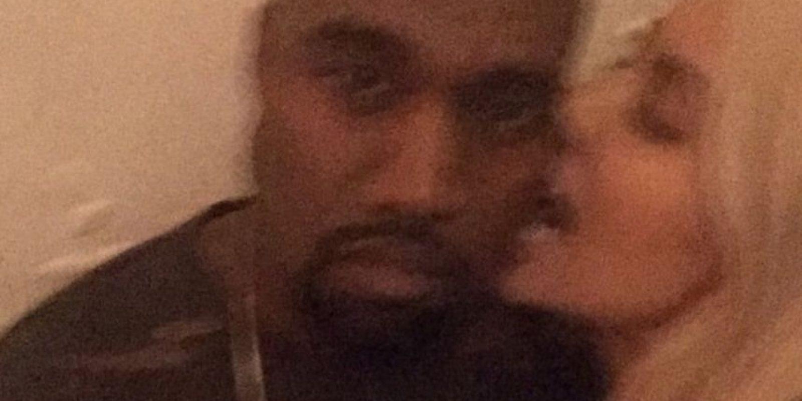 """""""A Kanye le encanta comer muy saludable y está siempre en diferentes dietas. Él tiene un chef que viene por la mañana y prepara el desayuno para los dos, además de que planea nuestra dieta para todo el día"""". Foto:Vía instagram.com/kimkardashian"""