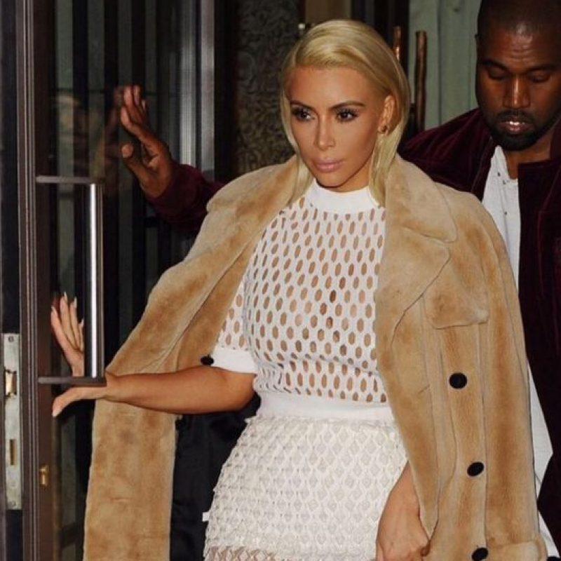 Si Kim no tiene alguna sesión de fotos se maquilla ella misma, tarda unos 15 minutos según cuenta. Foto:Vía instagram.com/kimkardashian