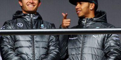 En Mónaco, Hamilton acusó a Rosberg de cometer a propósito errores en la conducción durante la clasificación, y también dijo que Mercedes le daba prioridad a su compañero por ser alemán. Foto:Getty Images