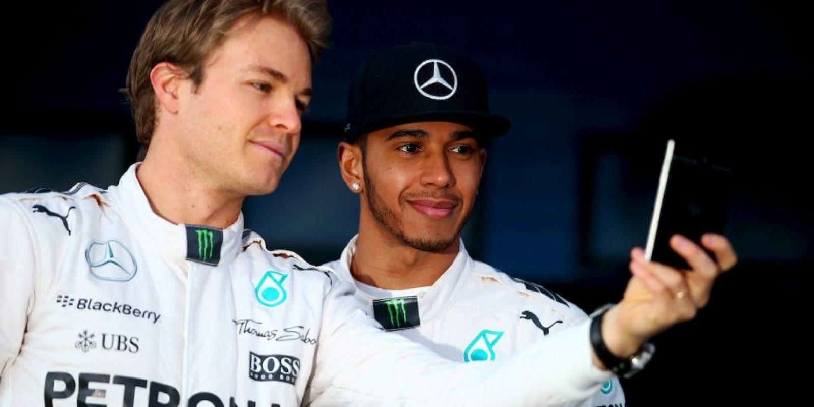 En el Gran Premio de España la relación entre ambos fue más fría, luego de que el británico enviara al alemán al segundo lugar. Foto:Getty Images