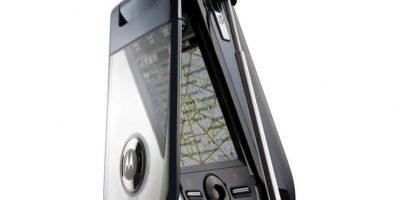 Lanzado en 2005, solamente tenía tres botones físicos, su pantalla era táctil y se controlaba con la ayuda de un stylus. Foto:Motorola