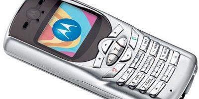 Lanzado en 2003, tenía una pequeña pantalla a color y hubo una edición especial de MTV. Foto:Motorola