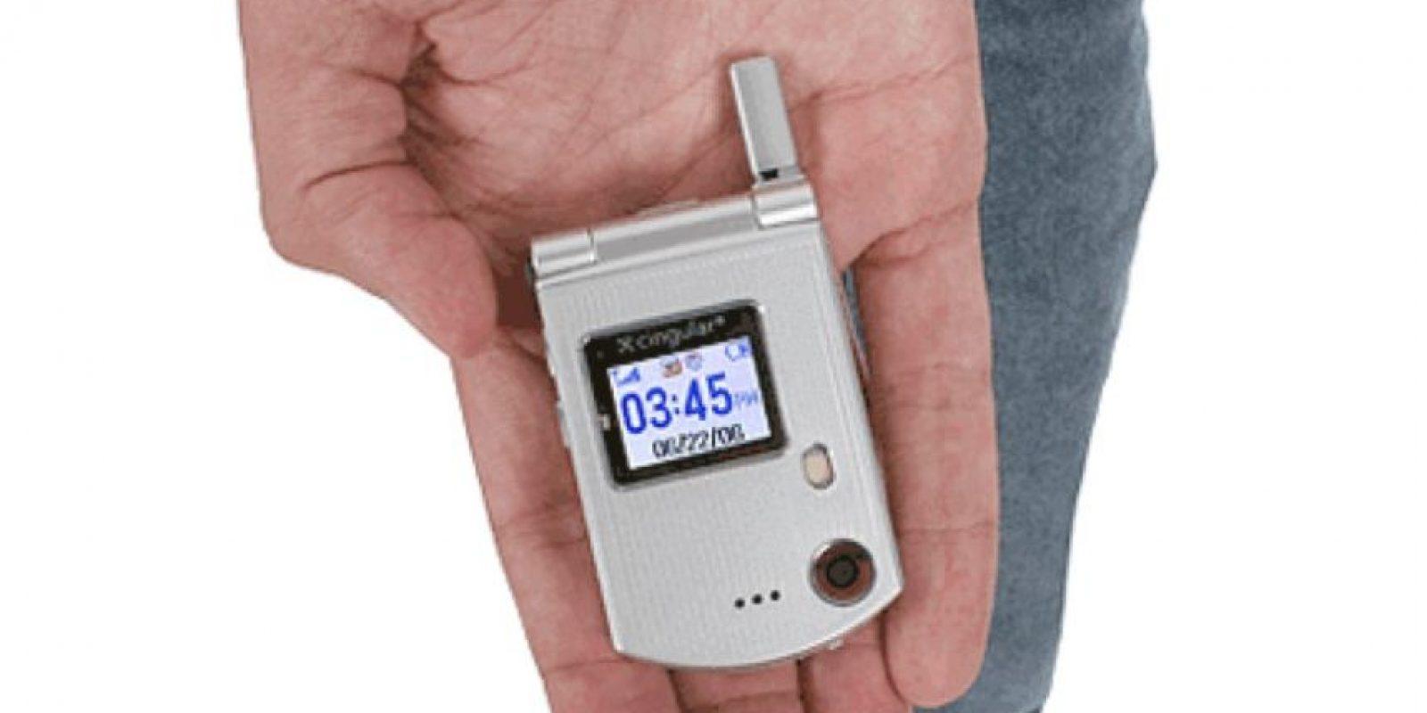 Lanzado en 2006, cabía perfectamente en la palma de la mano y hasta tenía una cámara incluida. Foto:Pantech