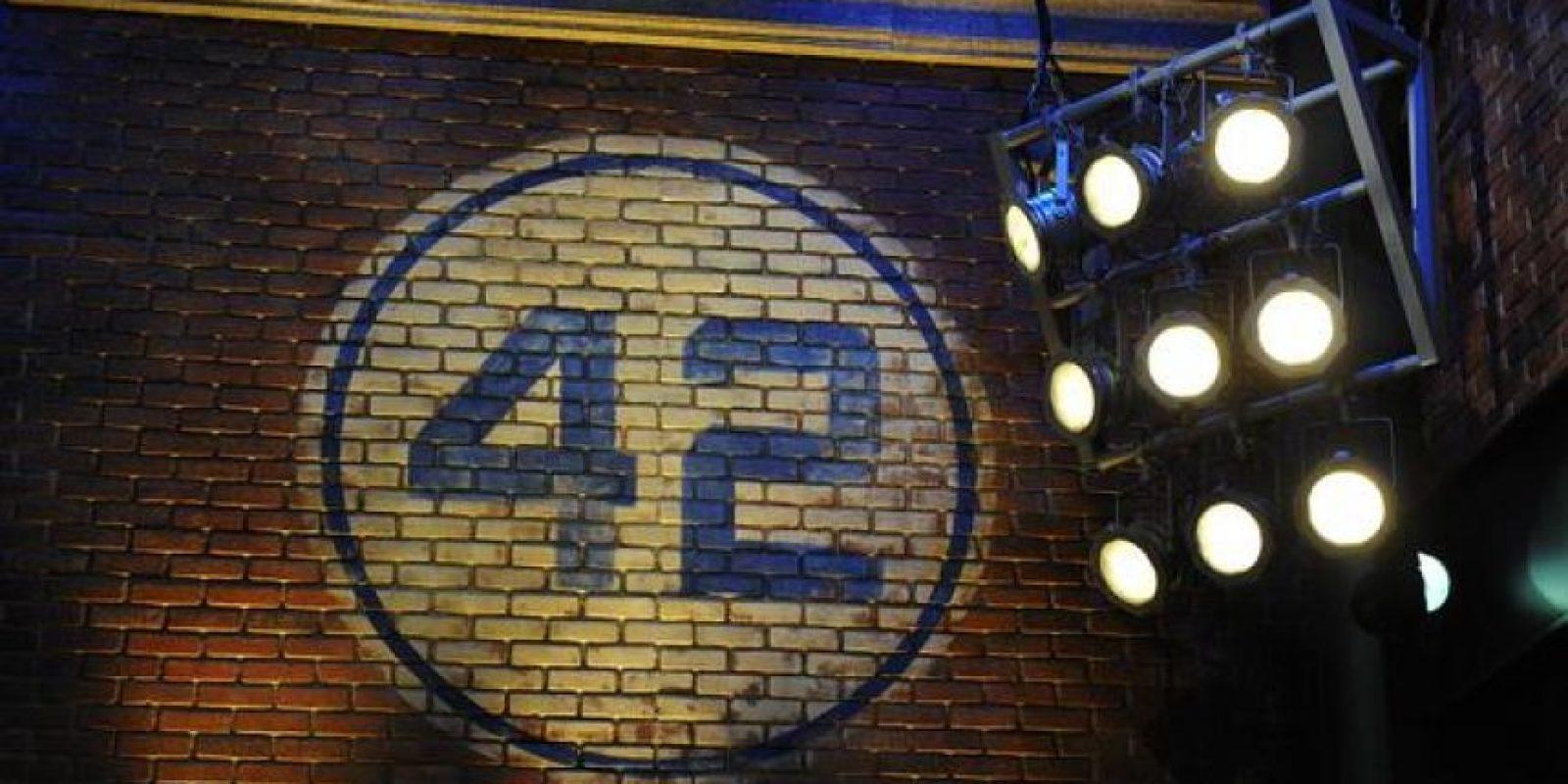 """Cada 15 de abril, la MLB celebra el """"Día de Jackie Robinson"""", en el cual se hacen grandes homenajes al fallecido beisbolista y todos los peloteros llevan en sus espaldas el número 42, el único dorsal retirado en las Grandes Ligas. Foto:Vía twitter.com/mlb"""