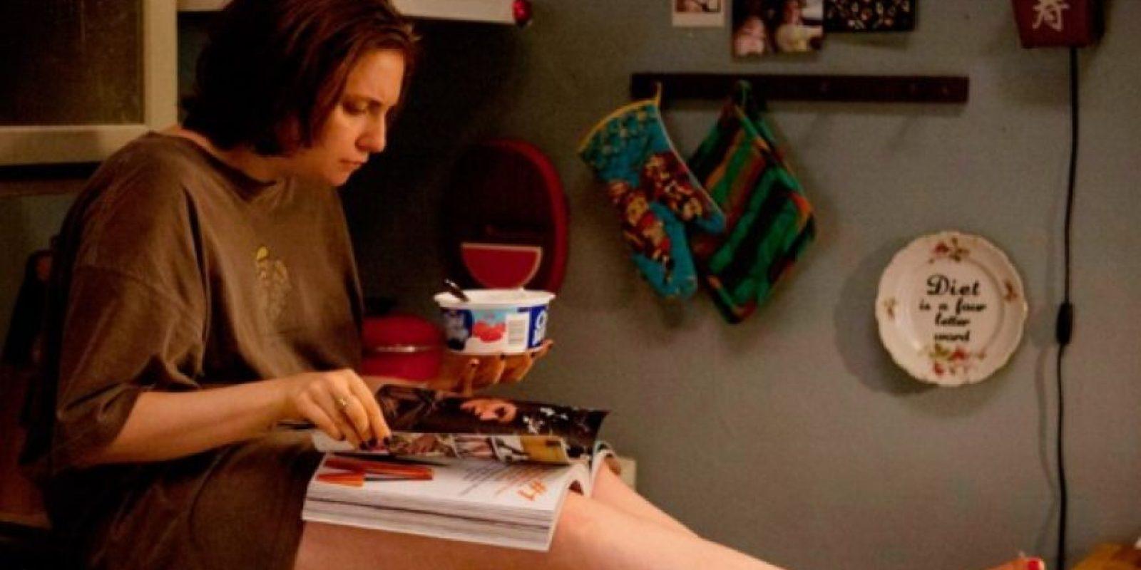 """A Lena Dunham la critican por aparecer desnuda en su serie """"Girls"""". Foto:vía HBO"""