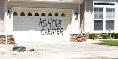 Pintar una inmaculada casa blanca. Foto:vía FunnyJunk