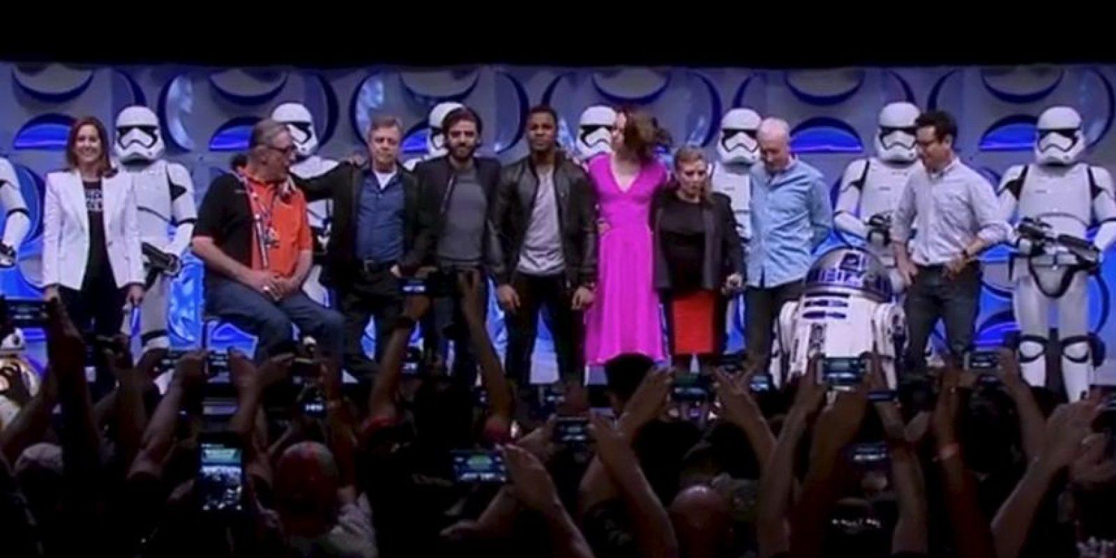 Los actores de la saga se reúnen año a año para alegría de los fanáticos Foto:Twitter