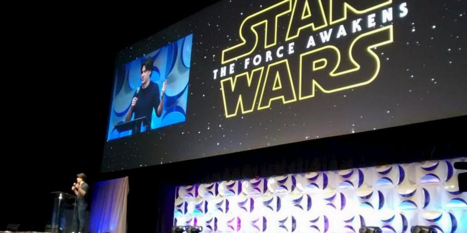"""Hoy comenzó la """"Star Wars Celebration"""" evento cumbre para los fanáticos de estas películas. La sede del evento es Anaheim, California Foto:Twitter"""