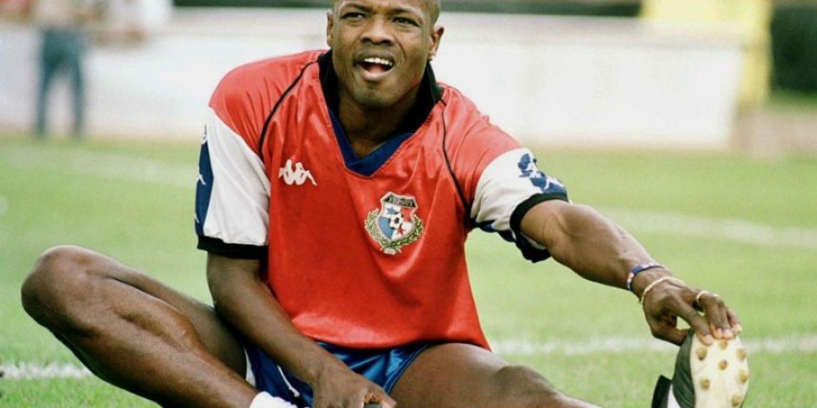 El panameño Julio Dely Valdés es el referente del actual jugador del Arsenal inglés. Foto:AFP