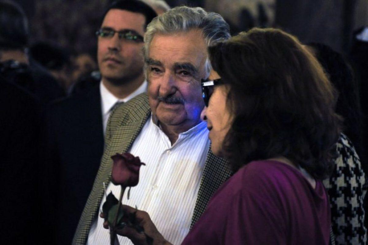 Acompañó a Helena Villaga, viuda de Galeano Foto:AFP