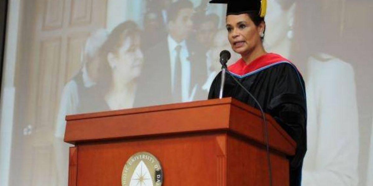 Baldetti recibe doctorado honoris causa en Corea