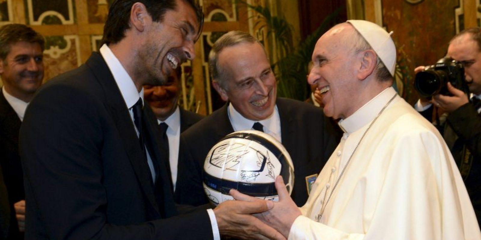 De acuerdo al Premio Nobel de la Paz, Desmond Tutu, expresó su admiración al Pontífice. Foto:Getty Images